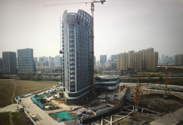 Zheijang Gate Tower nears completion
